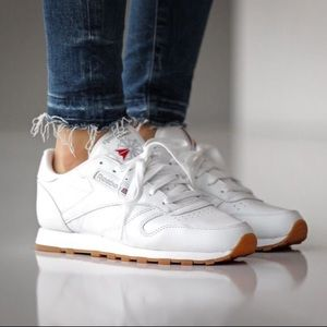 Classic Leather Reebok💘